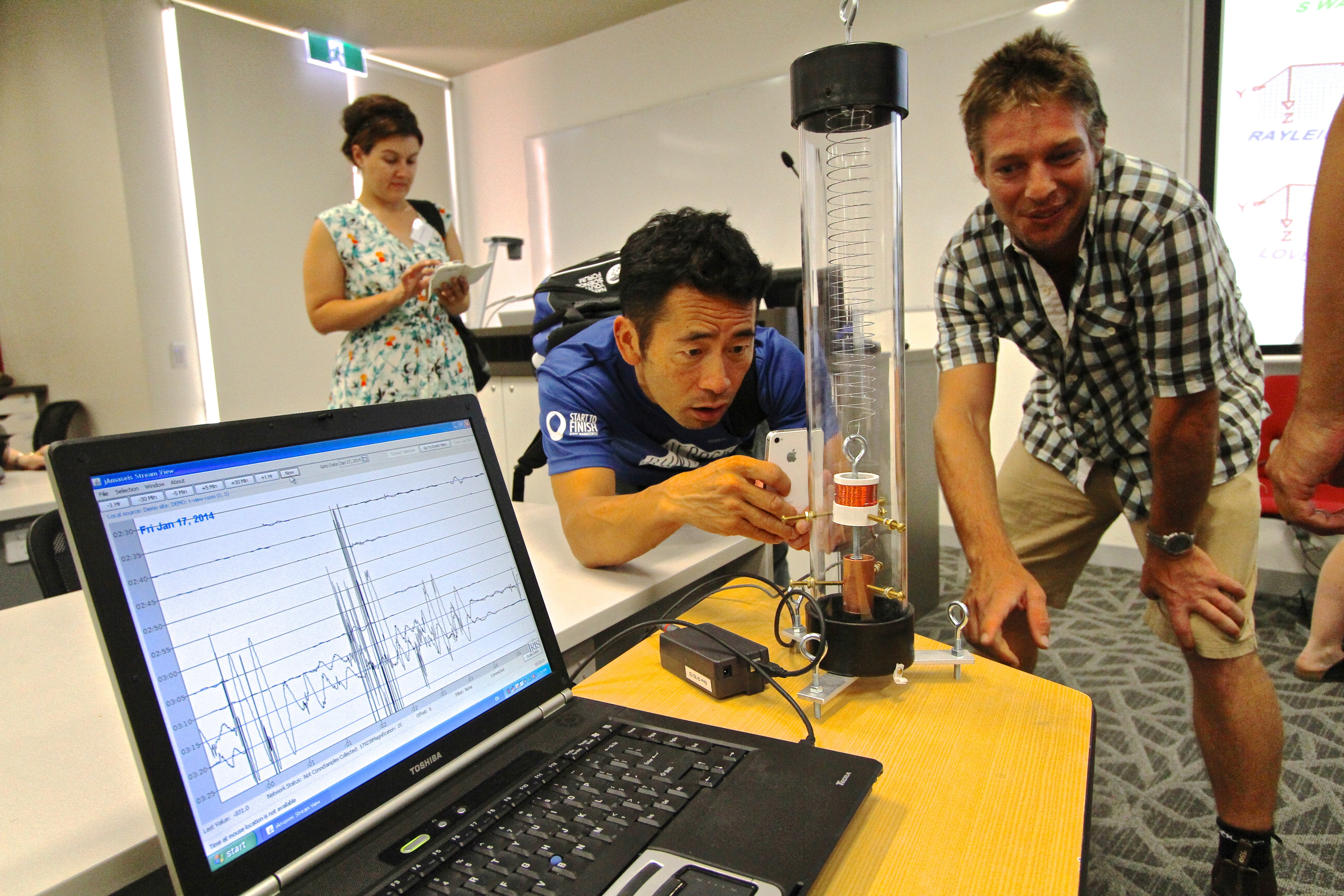 NSTSS 2014 ANU Research School of Earth Sciences Seismology in Schools